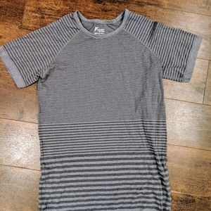 Old Navy Active Go Dry athletic shirt workout